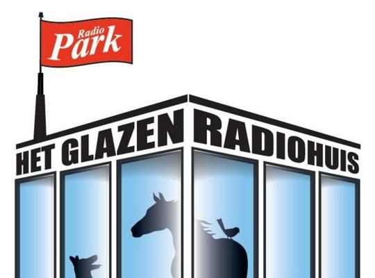 glazen radiohuis