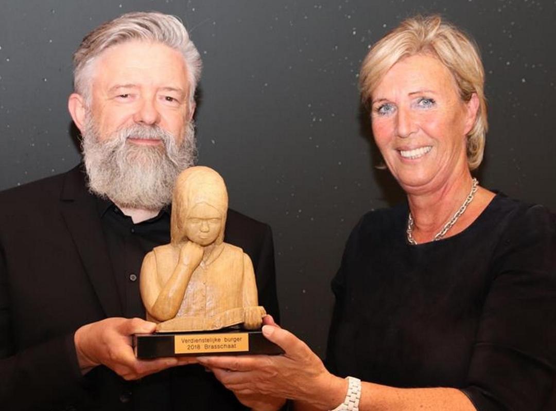 Peter Van Gucht (alias PUG) en schepen Karina Hans
