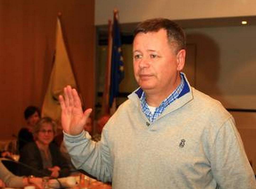 Jan Van Leuven legt de eed af als gemeenteraadslid