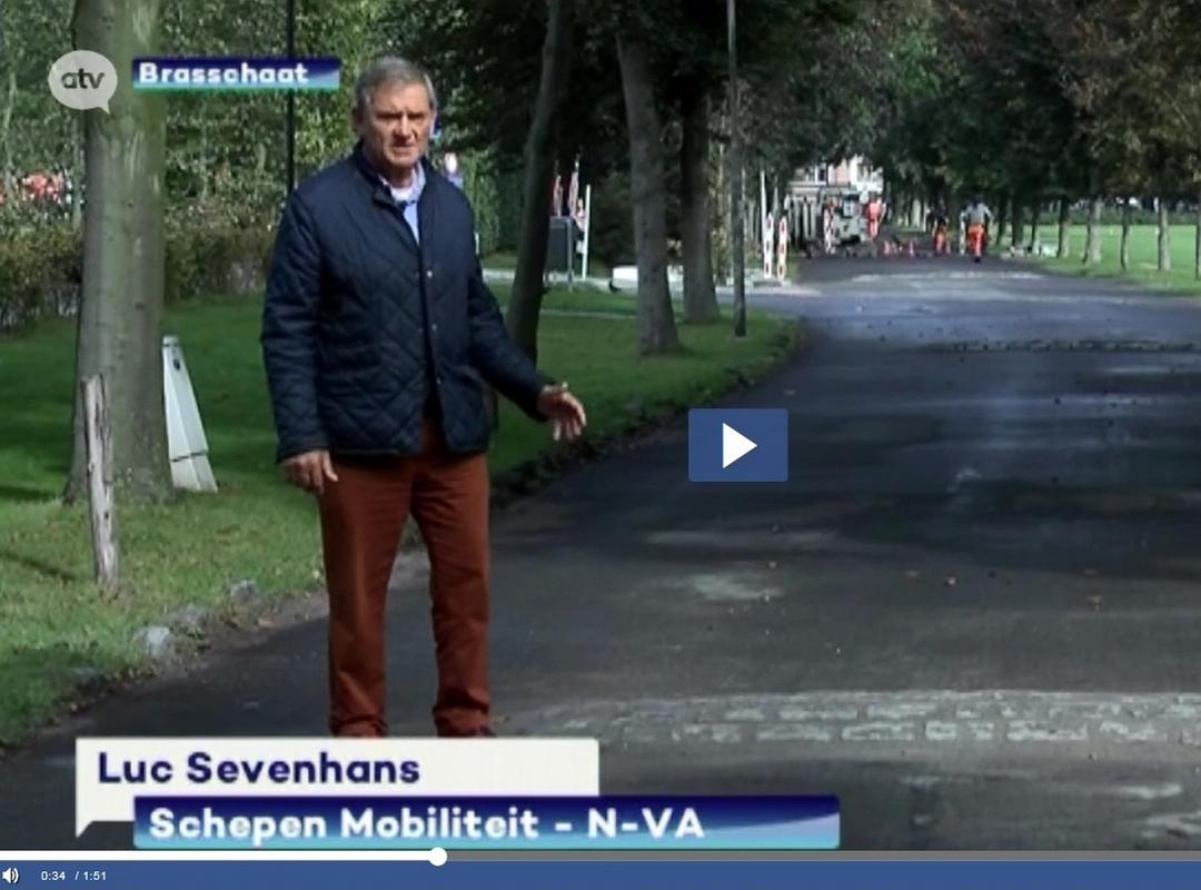 Schepen Luc Sevenhans en 'verkeersdrempels' in park