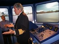 uitleg van de kapitein over de simulator